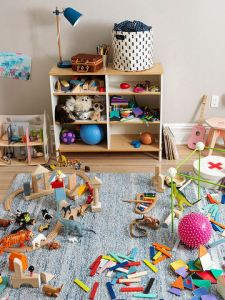 550_Kids_Bedroom_Messy_011